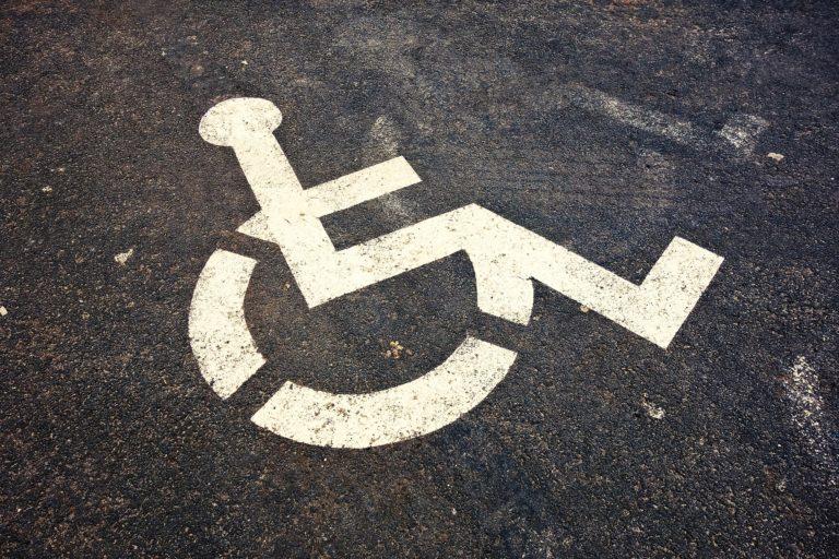 Droit des personnes à mobilité  réduite bafoué à Saint Sulpice, mobilité cyclable réduite : tout pour la voiture !